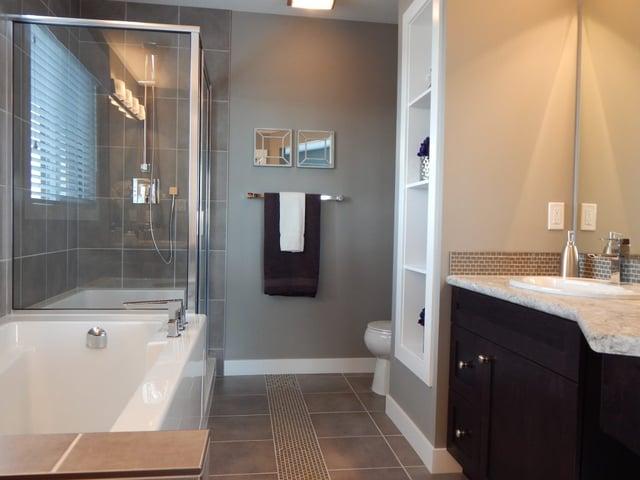 bathroom-881124_1920